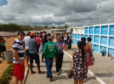 Jeremoabo: Morto 'abre olhos' durante velório e é levado para hospital