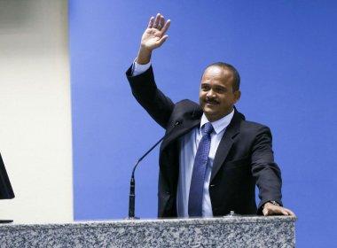 Camaçari: Elinaldo volta a Câmara e espera boa transição com Ademar para a prefeitura