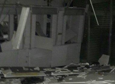 São Félix: Quadrilha explode banco e atira contra delegacia e posto de combustível