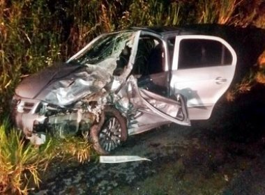 Acidente com três veículos na BR 330 deixa 12 pessoas feridas