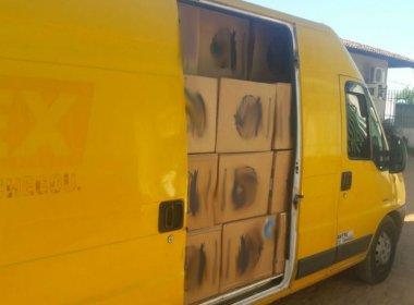 Carga com 8.024 maços de cigarro era transportada em carro dos Correios