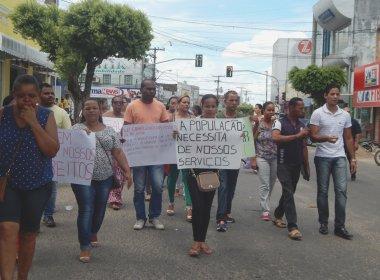 Amargosa: Após 3 dias de gestão, prefeito é alvo de primeiro protesto
