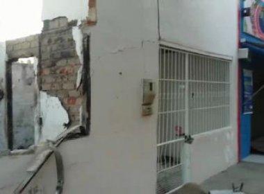 Valente: Criminosos detonam explosivos em casa; fogo atingiu mercado vizinho