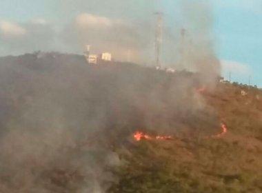 Campo Formoso: Fogo atinge Serra do Cruzeiro