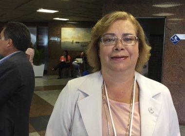 Secretária apela para verbas na saúde e diz que prefeituras extrapolam gastos