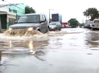 Barreiras: Chuvas alagam ruas e causam transtornos a moradores