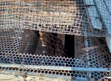 Quinze presos fogem de delegacia em Irecê após serrarem grade