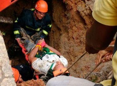 Teixeira de Freitas: Homem cai em cratera de 5 metros