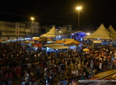 Conquista: Carnaval Cultural leva foliões a lotar Praça da Bandeira