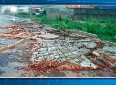 Livramento: Ventania e chuva forte destelham casas e derrubam árvores e muros