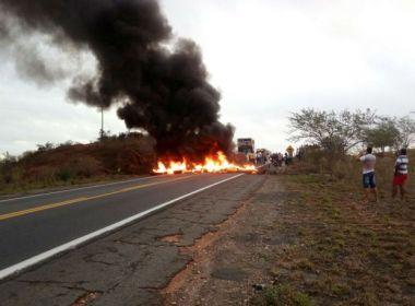 Tucano: Manifestantes bloqueiam BR-116 em protesto contra reforma da previdência