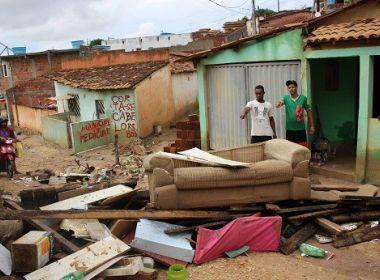 Jaguaquara: Chuva deixa desabrigados e alaga ruas; escola foi interditada