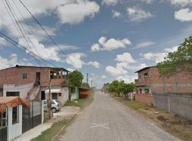 Camaçari: Mulher morre na porta de casa ao atender pedido de socorro
