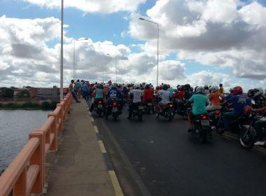Paulo Afonso: Protesto contra governo federal fecha ponte que dá acesso à cidade
