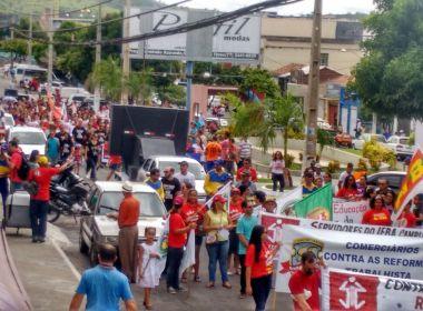 Brumado: Caminhada de greve geral critica Temer e prefeito Eduardo Vasconcelos