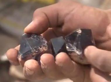 Sento Sé: Descoberta de pedras preciosas atrai milhares e muda economia de cidade