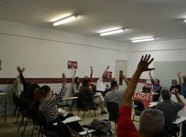 Professores da Uesb paralisam atividades para pressionar Temer em Brasília