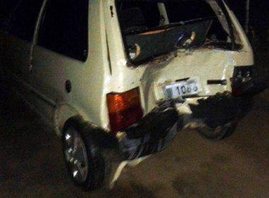 Valente: Jovem morre e outro fica ferido após moto bater em carro mal sinalizado