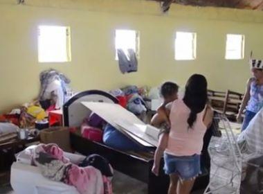 Paulo Afonso: Após serem retirados de terra, índios 'moram' em escola com deficiências