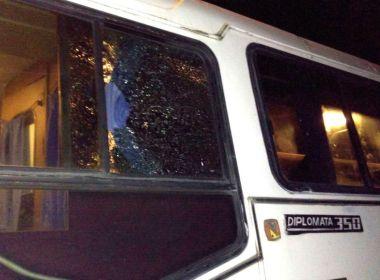 Itapitanga: Protesto cobra recuperação de BA em que ônibus com estudantes foi assaltado
