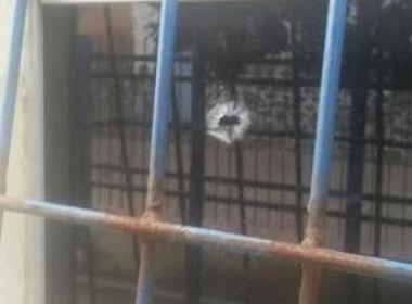 Cachoeira: Delegacia é atacada à tiros por conta de ações contra tráfico de drogas