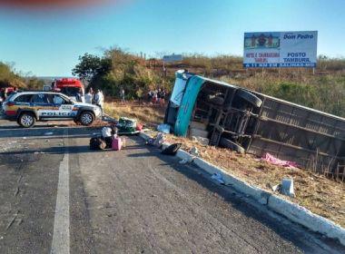 Acidente com ônibus clandestino deixa dez mortos; veículo seguia para Euclides da Cunha