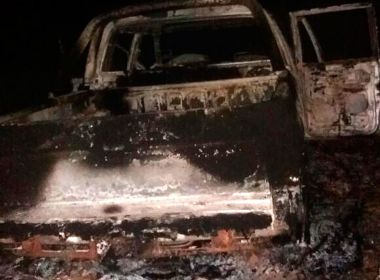 Araçás: Três morrem em acidente e motorista é assassinado a pauladas