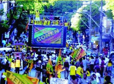 Marcha da Consciência Negra toma centro de Salvador
