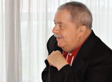 Em retorno aos palanques, Lula ignora mensalão e ataca antigo aliado