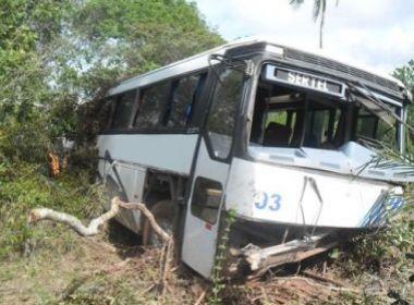 Araçás: 35 trabalhadores da Sertel ficam feridos em acidente de ônibus na BA-504