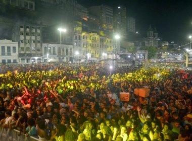 Baianos e turistas aprovam primeira noite do Réveillon de Salvador 2016