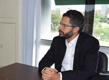Após saída de cineasta, jornalista assume comando do Irdeb