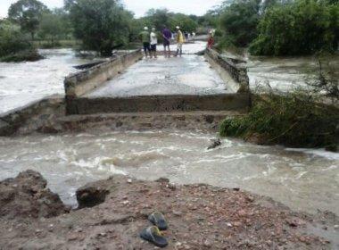 PONTE DE ESPANTA GADO FOI DESTRUÍDA COM FORTES CHUVAS