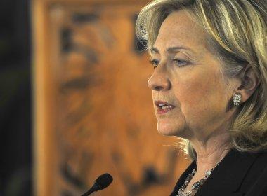 Hillary Clinton vence Bernie Sanders em prévia de Iowa