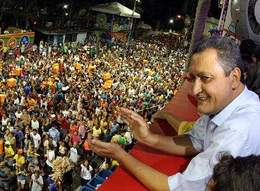 Rui escolhe Porto Seguro para passar o último dia de Carnaval