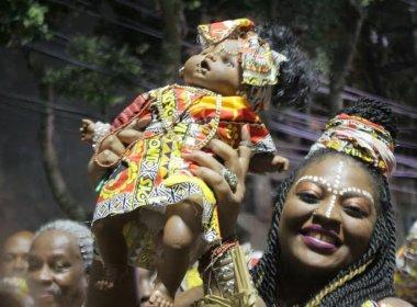Ilê Aiyê faz desfile no último dia do Carnaval de 2016