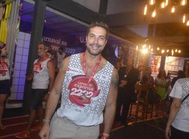 Torquatto diz que glitter é erro mais comum no Carnaval e dá dicas para cuidar da pele