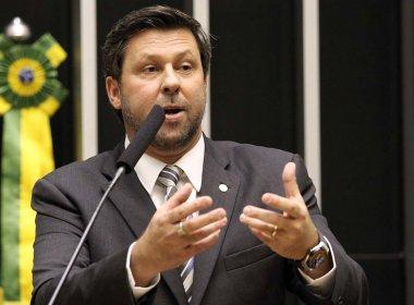 Ministro age mal ao defender que não houve caixa 2 de campanha, diz deputado