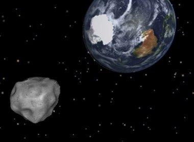 Asteroide deve passar perto da Terra, mas não há risco de impacto, diz Nasa