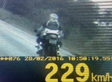 Polícia flagra moto a 229 km/h em Goiás, maior velocidade já registrada no estado
