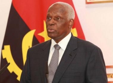Após 37 anos, presidente de Angola anuncia saída do cargo em 2018