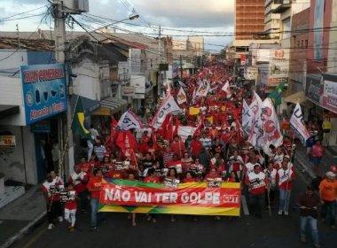 Manifestante fazem atos contra impeachment de Dilma em ao menos 25 capitais