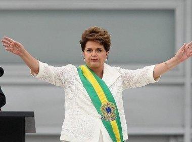 Dilma rebate editorial da Folha que pede sua renúncia e afirma: 'jamais renunciarei'