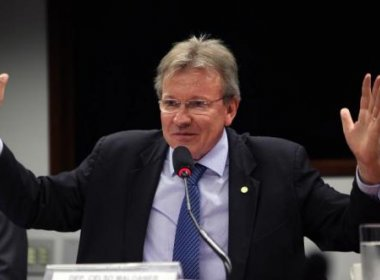 Deputado votará a favor de impeachment de Dilma como presente de aniversário da filha