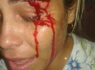 Professora é arremessada após impedir aluno de entrar em sala de aula