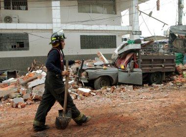 Número de mortos em terremoto no Equador sobe para 350, aponta governo
