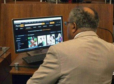 Vereador é flagrado vendo site pornô durante sessão da Câmara em Florianópolis