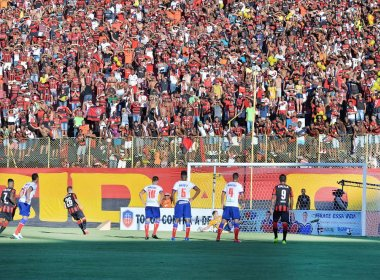 Vitória vence o Bahia por 2 a 0 e joga por empate na Arena Fonte Nova