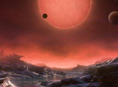 Cientistas descobrem três planetas 'potencialmente habitáveis' e 'perto' da Terra