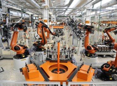 Produção industrial cresce em março, mas fecha trimestre com maior queda desde 2009